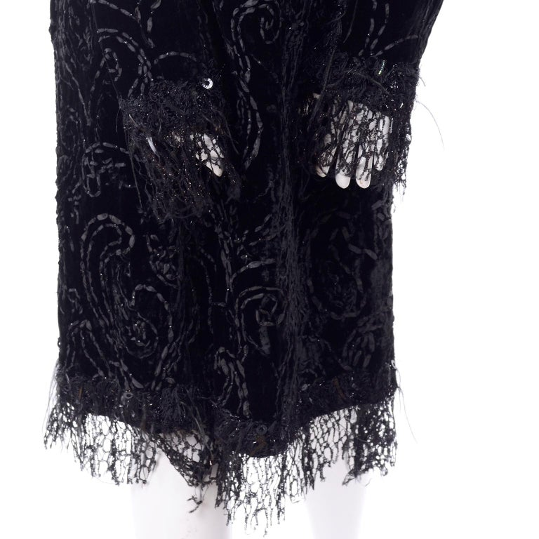 Oscar de la Renta Black Velvet Evening Coat W Lace Sequins & Ostrich Feathers For Sale 2