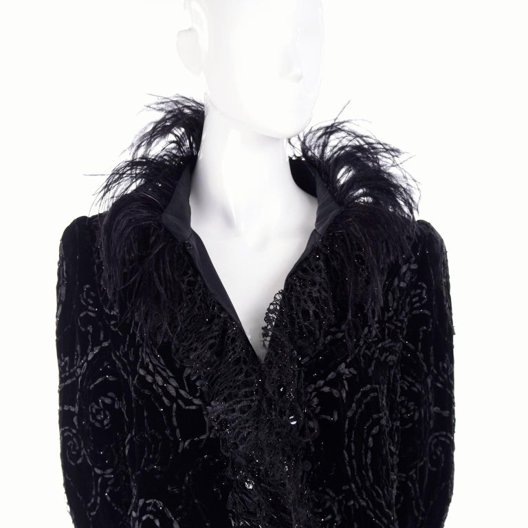Women's Oscar de la Renta Black Velvet Evening Coat W Lace Sequins & Ostrich Feathers For Sale