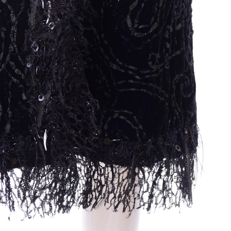 Oscar de la Renta Black Velvet Evening Coat W Lace Sequins & Ostrich Feathers For Sale 5