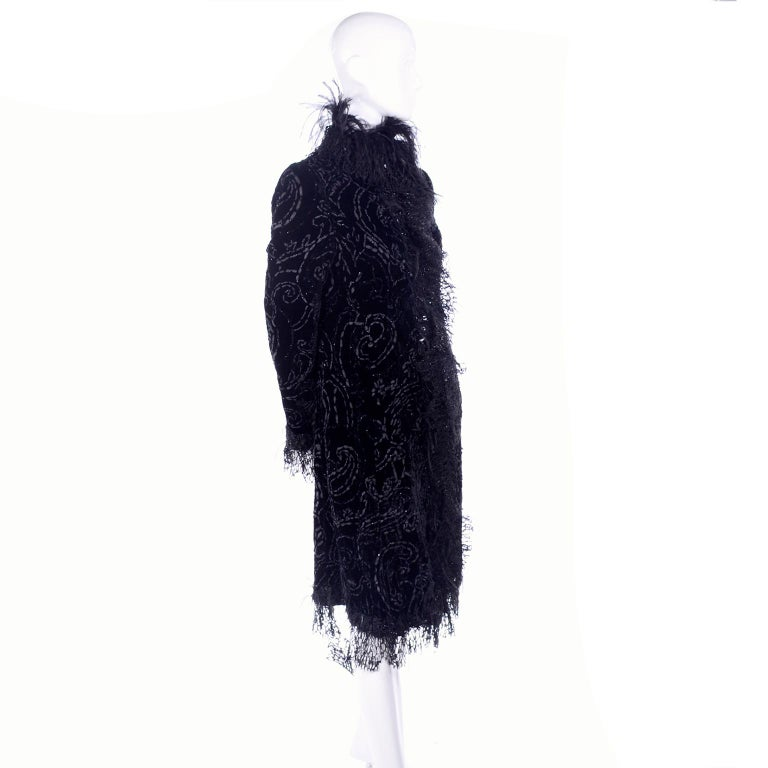 Oscar de la Renta Black Velvet Evening Coat W Lace Sequins & Ostrich Feathers In Good Condition For Sale In Portland, OR