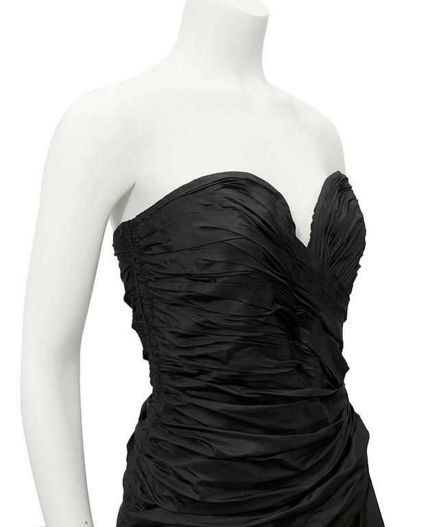 1980's Vicky Tiel Black strapless gown In Excellent Condition For Sale In Toronto, Ontario