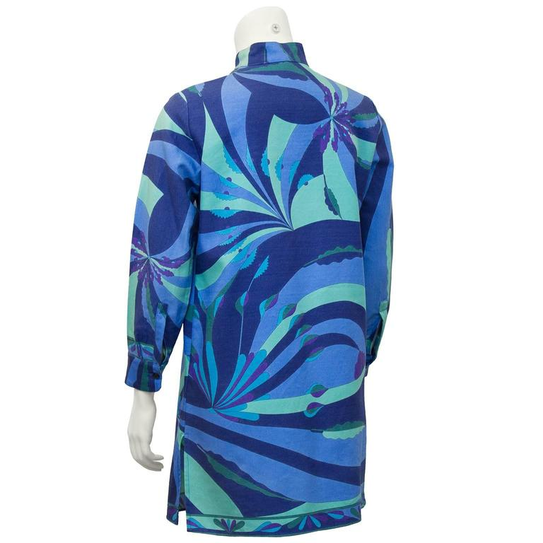 2000's Bessi Blue Silk and Wool Printed 3/4 Length Jacket In Excellent Condition For Sale In Toronto, CA