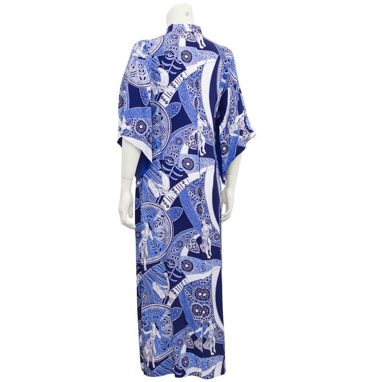 1940's Blue Hawaiian Print Rayon Hostess Gown   3