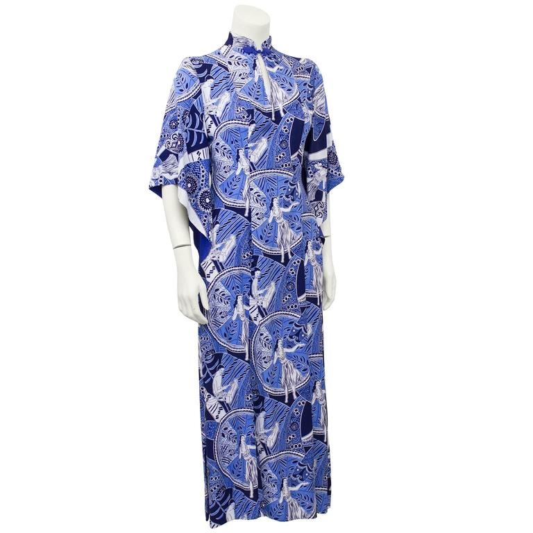 1940's Blue Hawaiian Print Rayon Hostess Gown   2