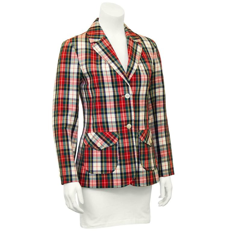 1960's red wool tartan jacket from Pendleton's junior line, Young Pendleton. All Pendleton products with white labels are womens (blue labels are mens). Great shape, single breasted with large patch pockets. Pendleton raised their own sheep and spun