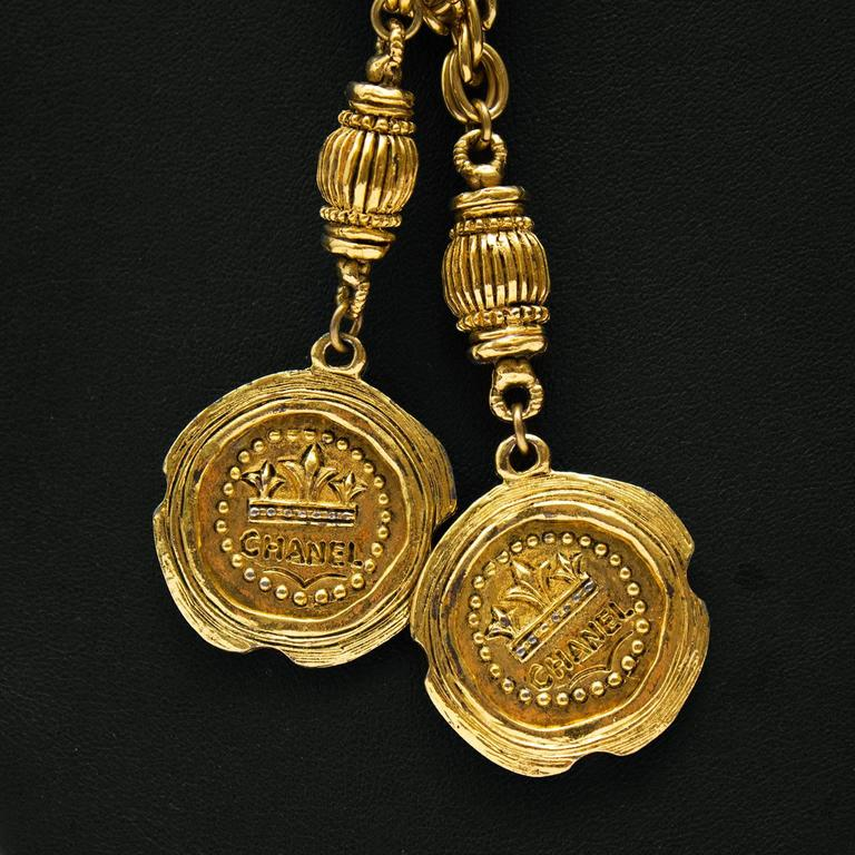 Late 1980s Chanel Long Gold Lariat Necklace with Coin Details  3