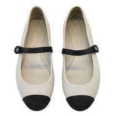 2000's Chanel Cream and Black Cap Toe Mary Jane Flats