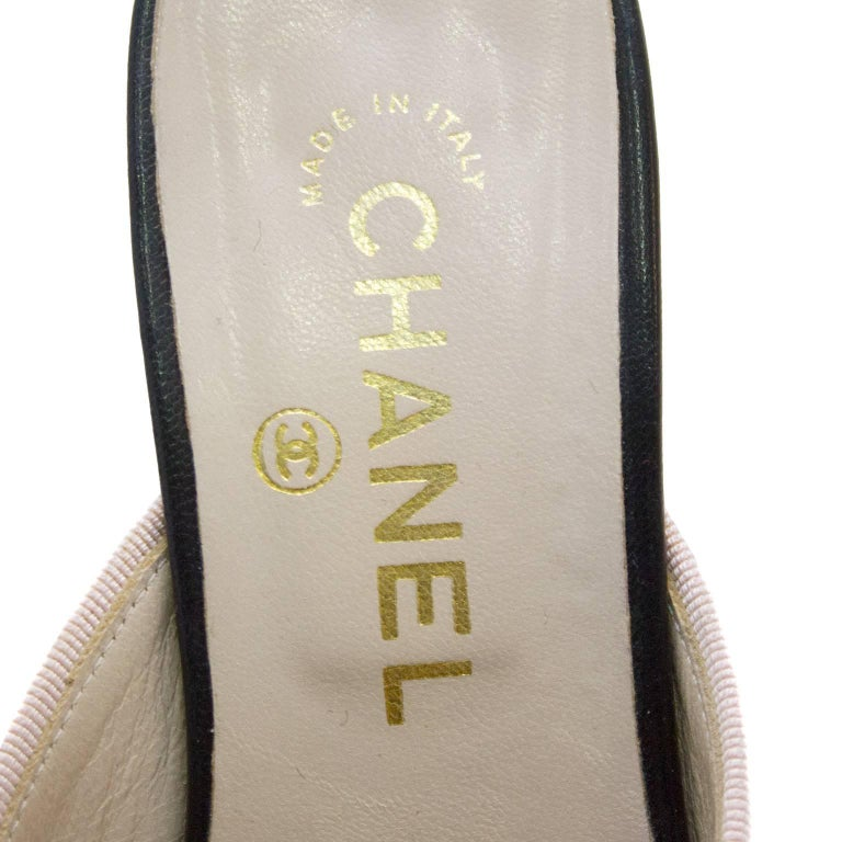 Women's or Men's 1990s Chanel Pink and Black Mules  For Sale