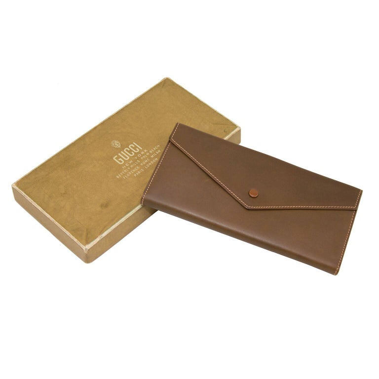 e34864781cc9 ... Early 1970s Gucci Unused Brown Leather Wallet For Sale ...