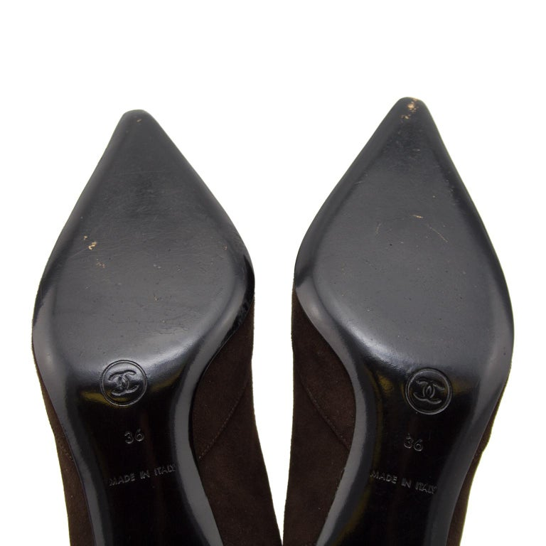 Women's Late 1990s Chanel Brown Suede Pointed Toe Sling Back Kitten Heels For Sale