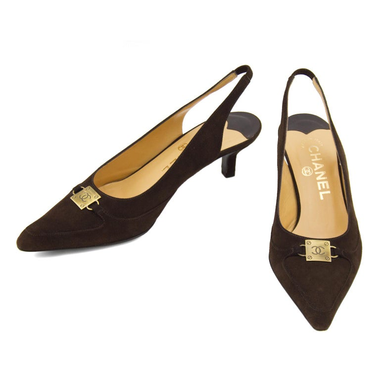 Black Late 1990s Chanel Brown Suede Pointed Toe Sling Back Kitten Heels For Sale