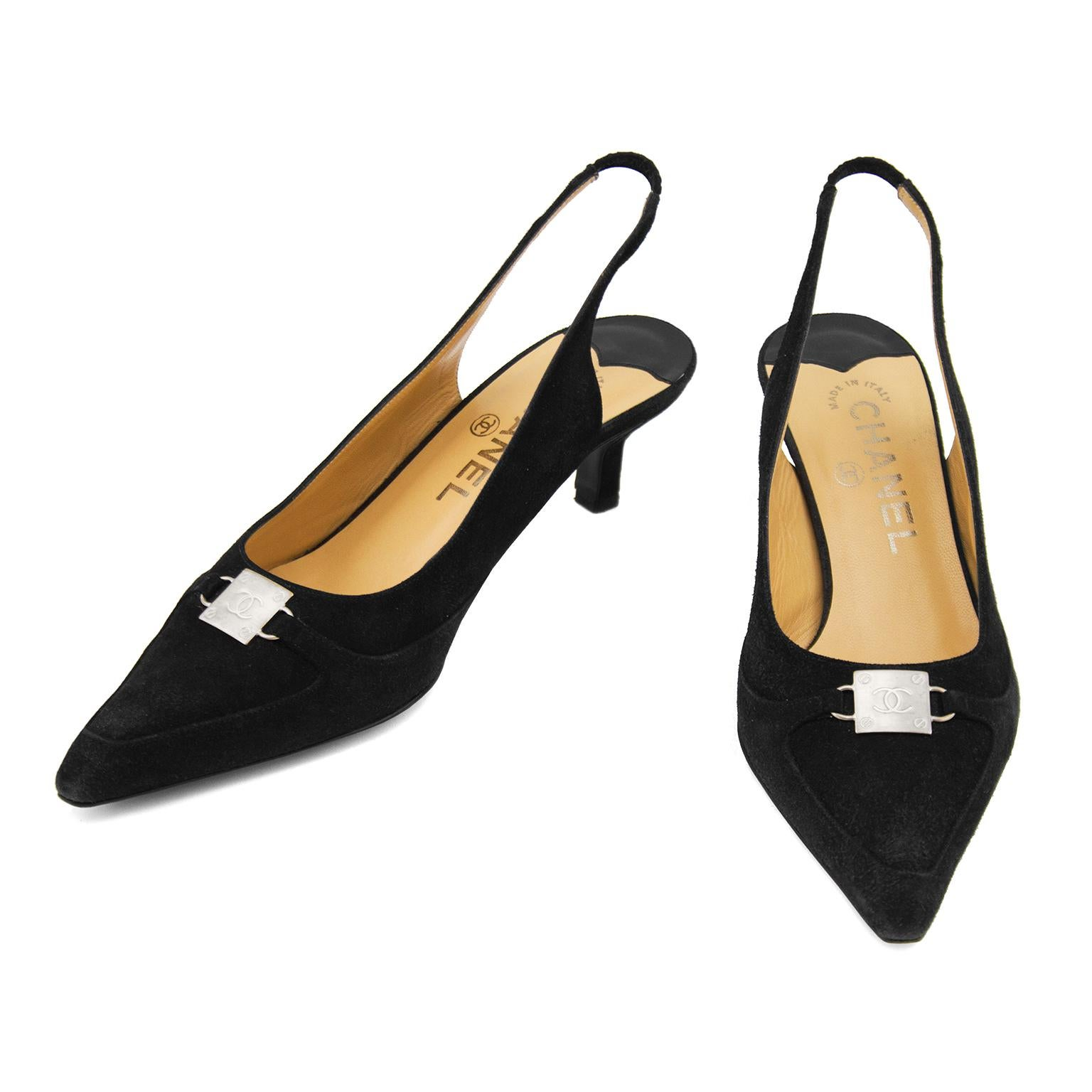 d46bcef9600 Late 1990s Chanel Black Suede Pointed Toe Sling Back Kitten Heels For Sale  at 1stdibs