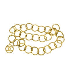 1990 Gold Tone Chanel Gold tone large chain link belt