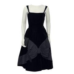 1950s Suzy Perette Black Velvet Cocktail Dress with Bow Detail