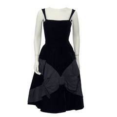 1950s Suzy Perette Black Velvet Cocktail Dress with Bow Detail