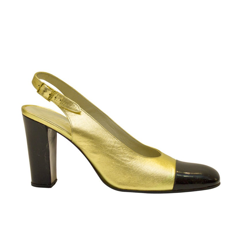 1990s Chanel Gold Leather Sling Back Pumps For Sale