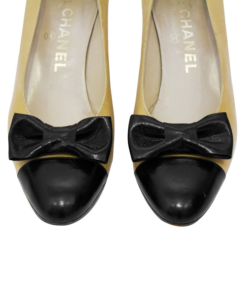 1980's Chanel Beige Leather Pumps with Black Toe Cap & Bow 3