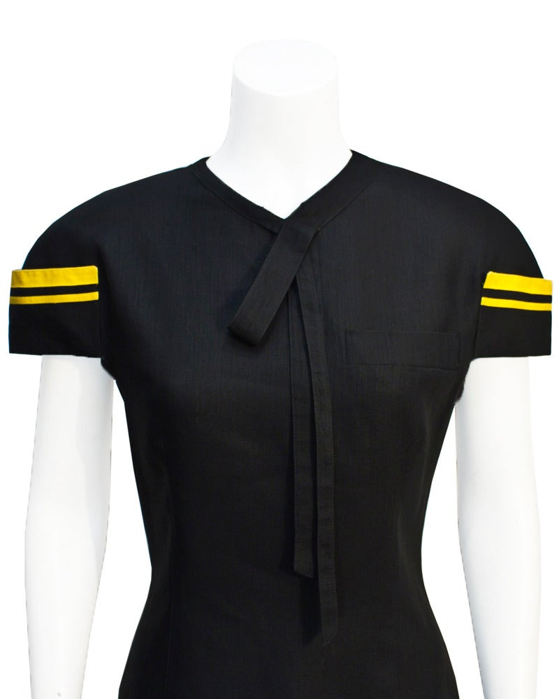 1980's Versace Black & Yellow Linen Dress In Excellent Condition For Sale In Toronto, Ontario