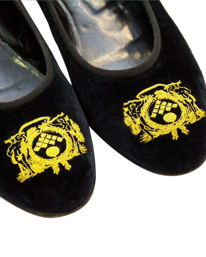 1980's Bottega Veneta Black Velvet Crested Ballet Slippers In Good Condition For Sale In Toronto, Ontario