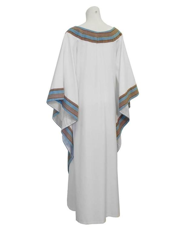 Gray 1970's White Cotton African Kaftan With Trim  For Sale
