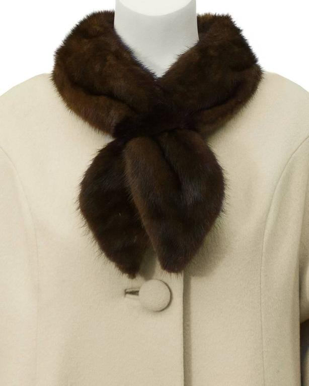 Women's 1950's Lilli Ann Beige Coat with Fur Collar  For Sale