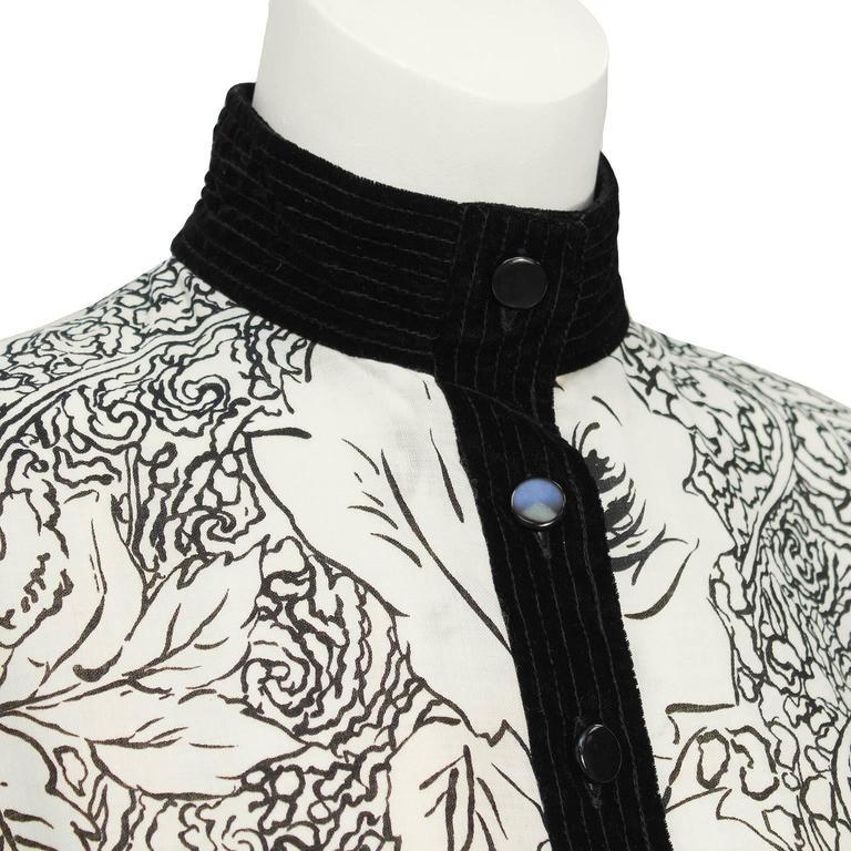 1980's Scherrer Cream & Black Print Wool Dress In Excellent Condition For Sale In Toronto, Ontario
