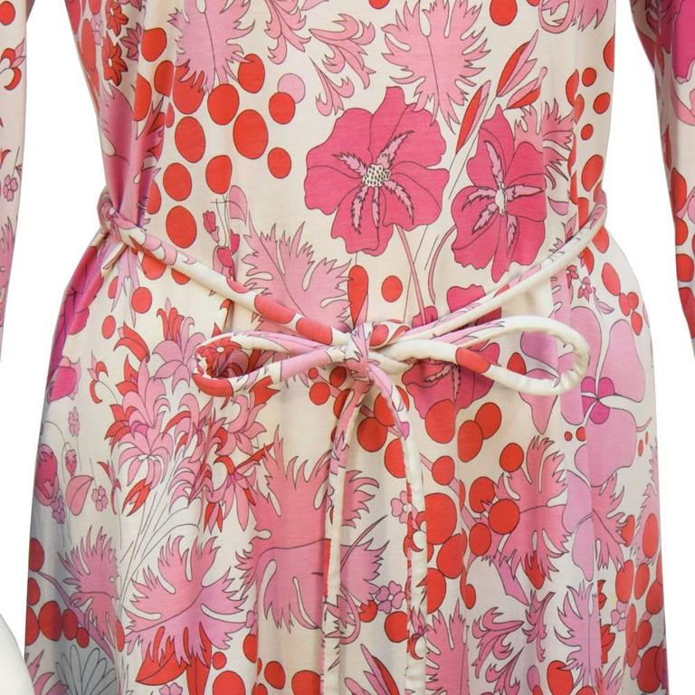 1970's Bessi Pink Printed Cotton Floral Day Dress In Excellent Condition For Sale In Toronto, Ontario