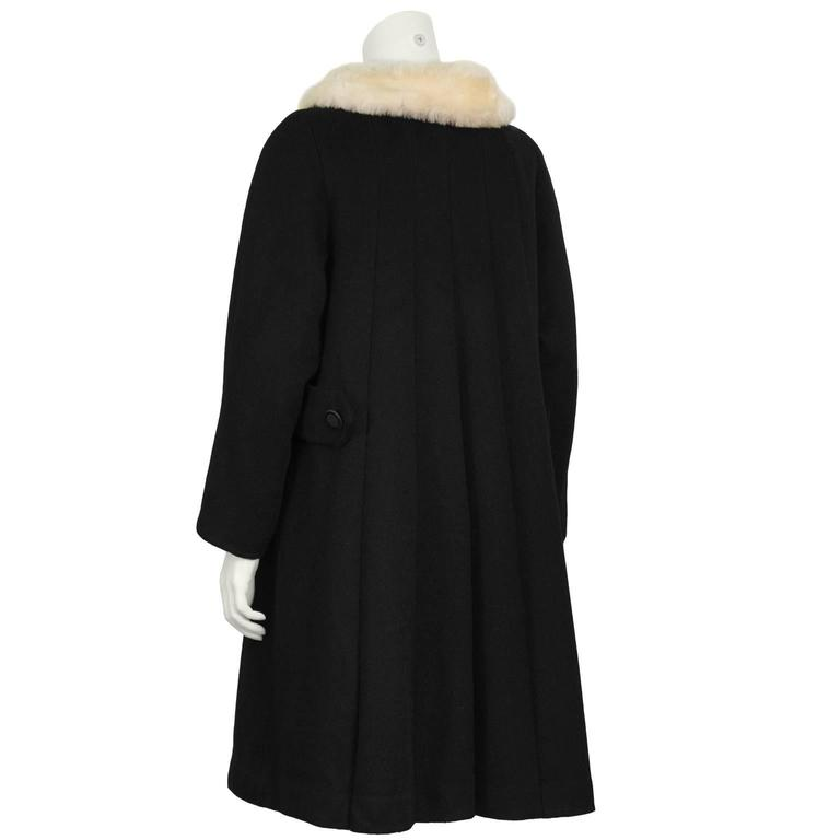1960's Lilli Ann Black Wool Swing Coat  In Excellent Condition For Sale In Toronto, Ontario