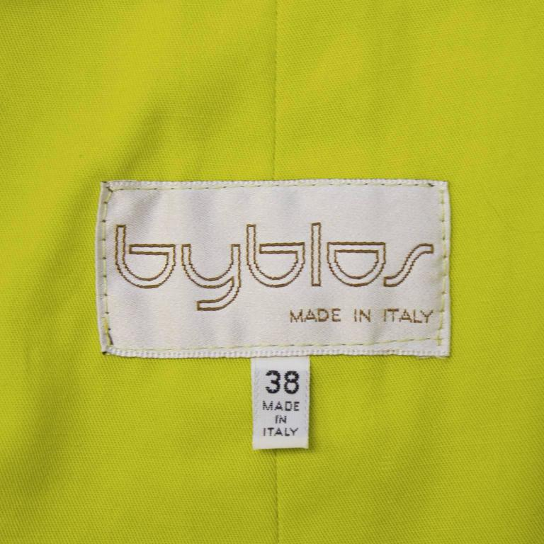 1980's Byblos Chartreuse Cotton Short Sleeve Suit Set For Sale 1