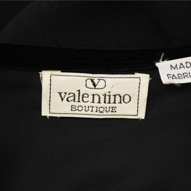 1980's Valentino Black Velvet and Crepe Gown  For Sale 2