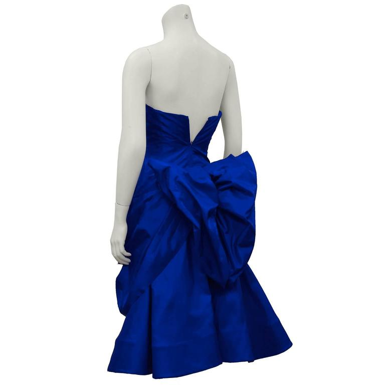 1980's Royal Blue Silk Taffeta Cocktail Dress With Back Bow and Crinoline In Excellent Condition For Sale In Toronto, Ontario
