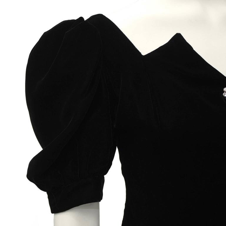 Women's 1980's Lillie Rubin Black Velvet Cocktail Dress with Rhinestone Buttons For Sale