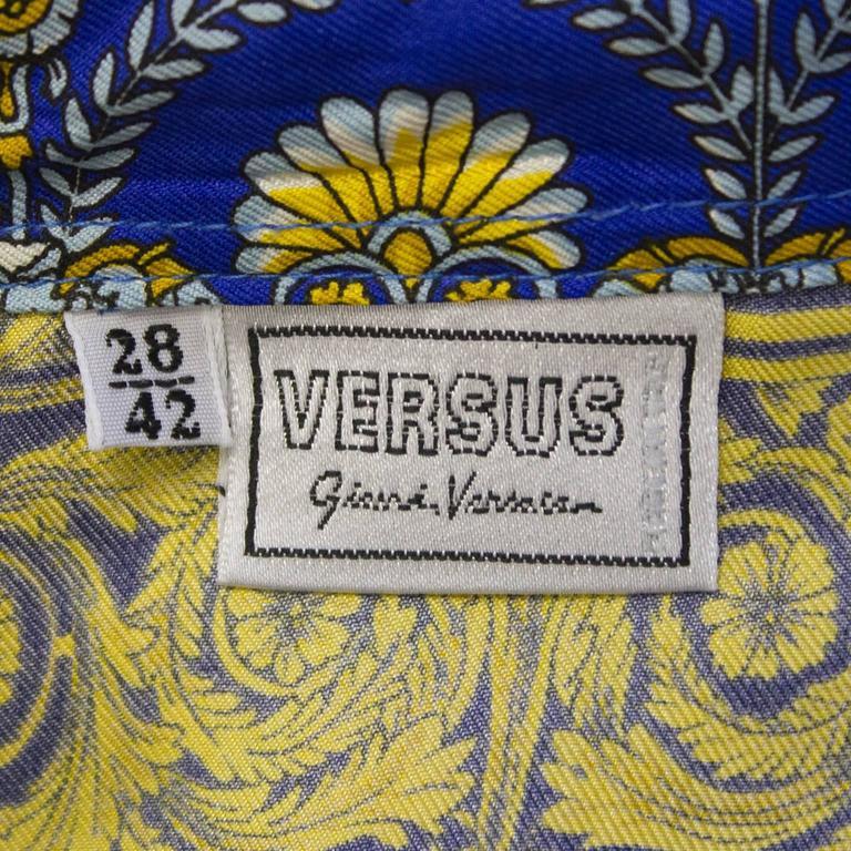 Circa 2000 Versus Silk Print Shirt 5