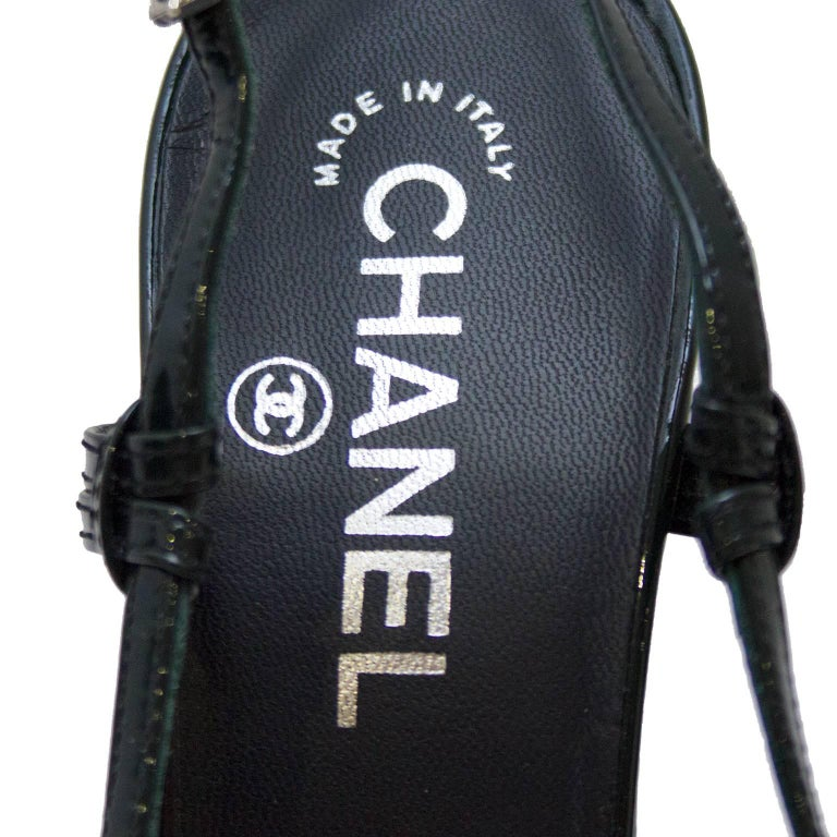 Chanel Dark Green and Black Patent Leather Sling Back Heels, 2000s   For Sale 1