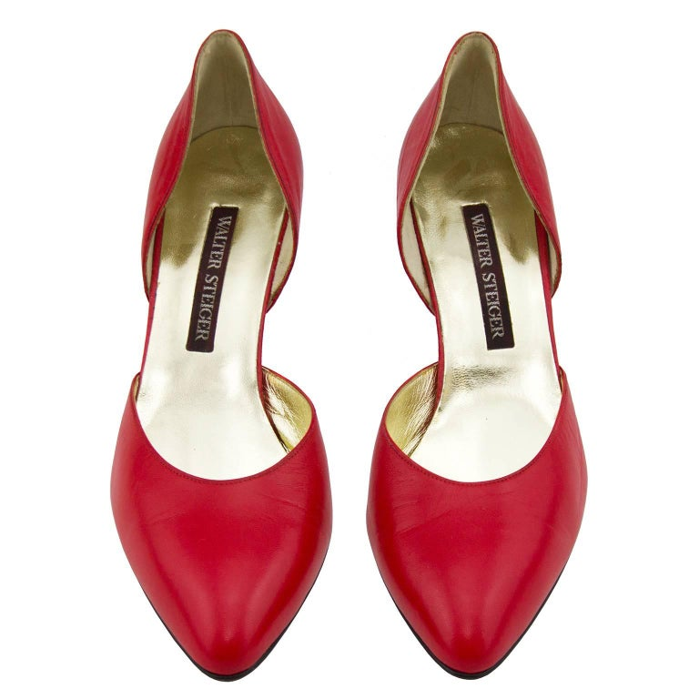 1980s Walter Steiger Red Leather D'Orsay Pumps In New Condition For Sale In Toronto, Ontario