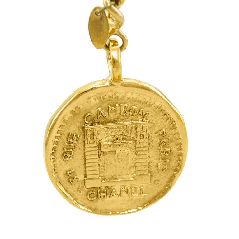 1984 Chanel Rue Cambon Stamped Coin Keychain In Excellent Condition For Sale In Toronto, Ontario