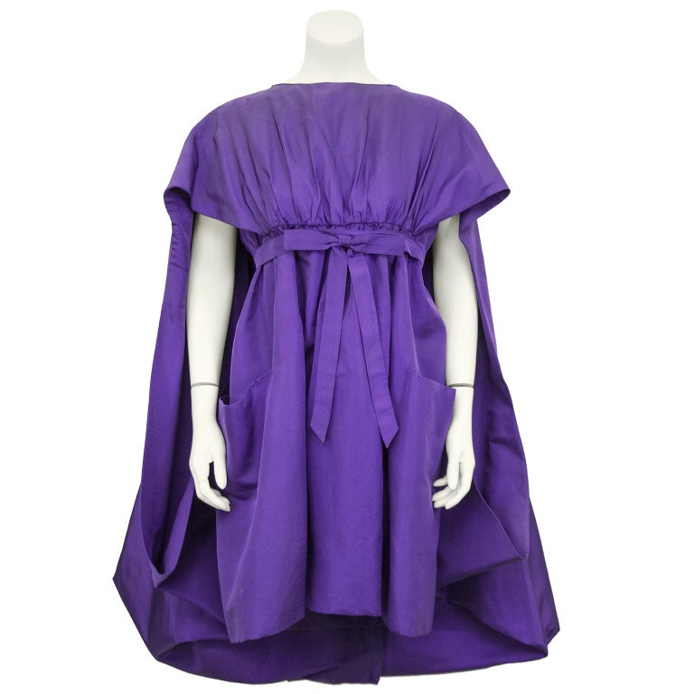 Late 1950s Capucci Haute Couture Purple Silk Cocktail Dress with Dramatic Cape For Sale 1
