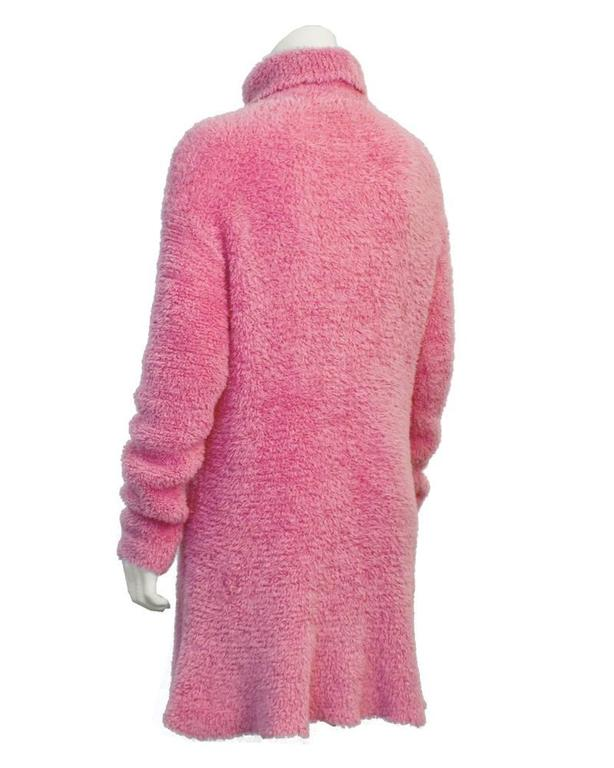 1990's Isaac Mizrahi Pink Long Turtleneck Tunic In Excellent Condition For Sale In Toronto, CA