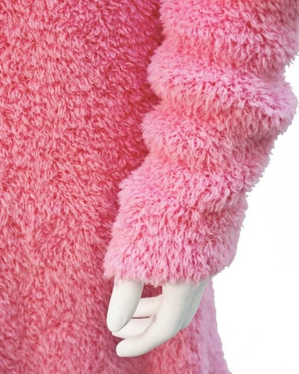 1990's Isaac Mizrahi Pink Long Turtleneck Tunic For Sale 1
