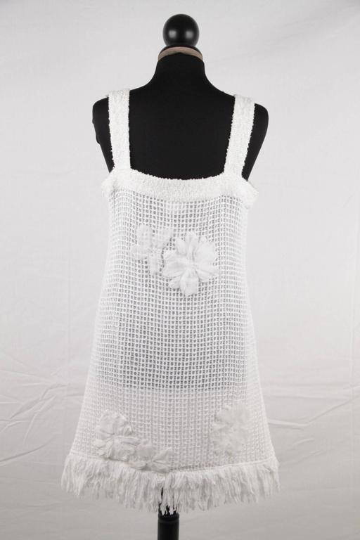 CHANEL White Pure Cotton SLEEVELESS Shift DRESS w/ Flowers Size 40 For Sale 1
