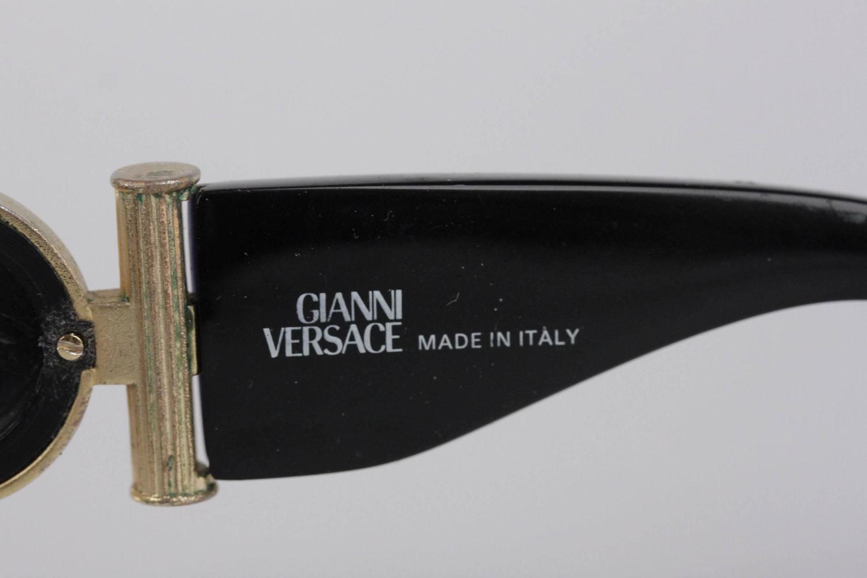 654efad3e1 GIANNI VERSACE Vintage Black MEDUSA SUNGLASSES Mod 617 B Col 852 w  CASE For