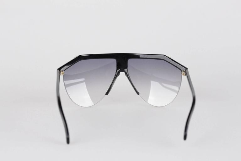 GIANNI VERSACE Vintage Black & Gold Half Rim SUNGLASSES Gradient Lens 3