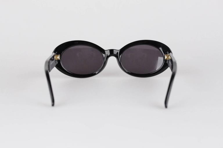 2b38a017f50 Women s GIANNI VERSACE Vintage Black MEDUSA SUNGLASSES Mod 527 B Col 852  For Sale