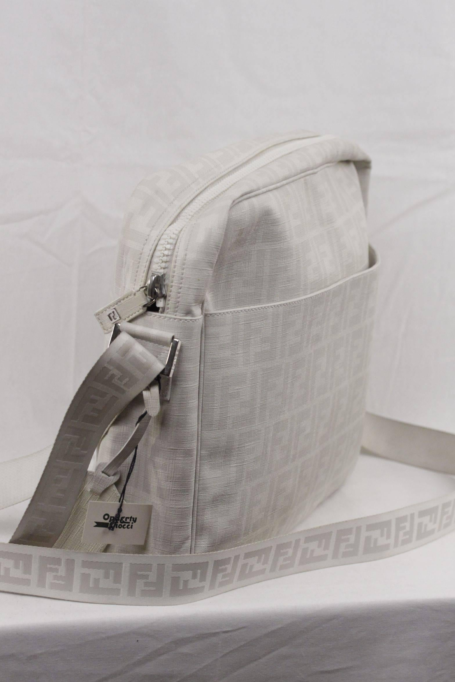97e002a3f159 ... best price fendi white ff monogram canvas large messenger bag crossbody  for sale at 1stdibs 9612b