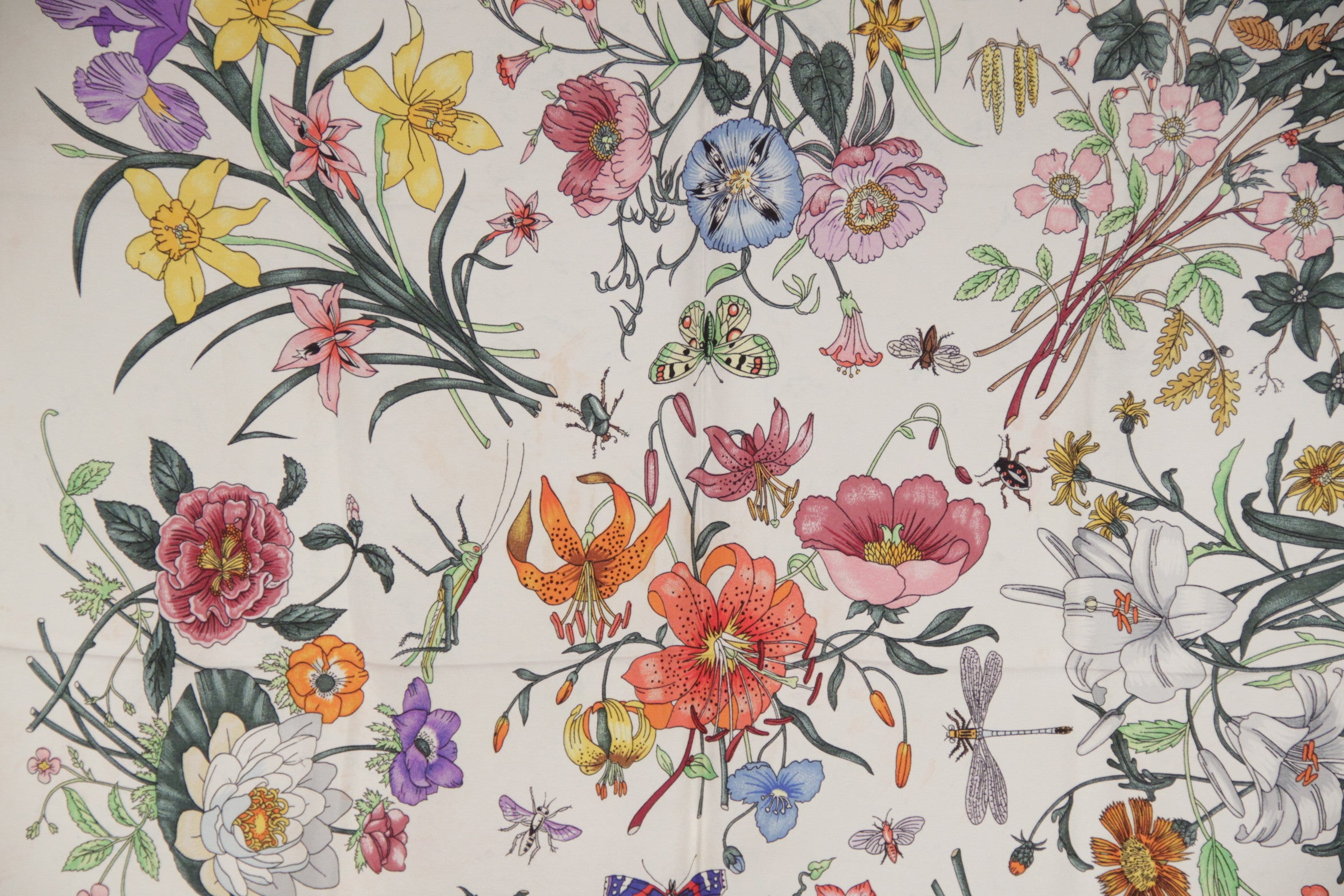 Gucci Vintage Flora Scarf Accornero Flowers Red Border At 1stdibs