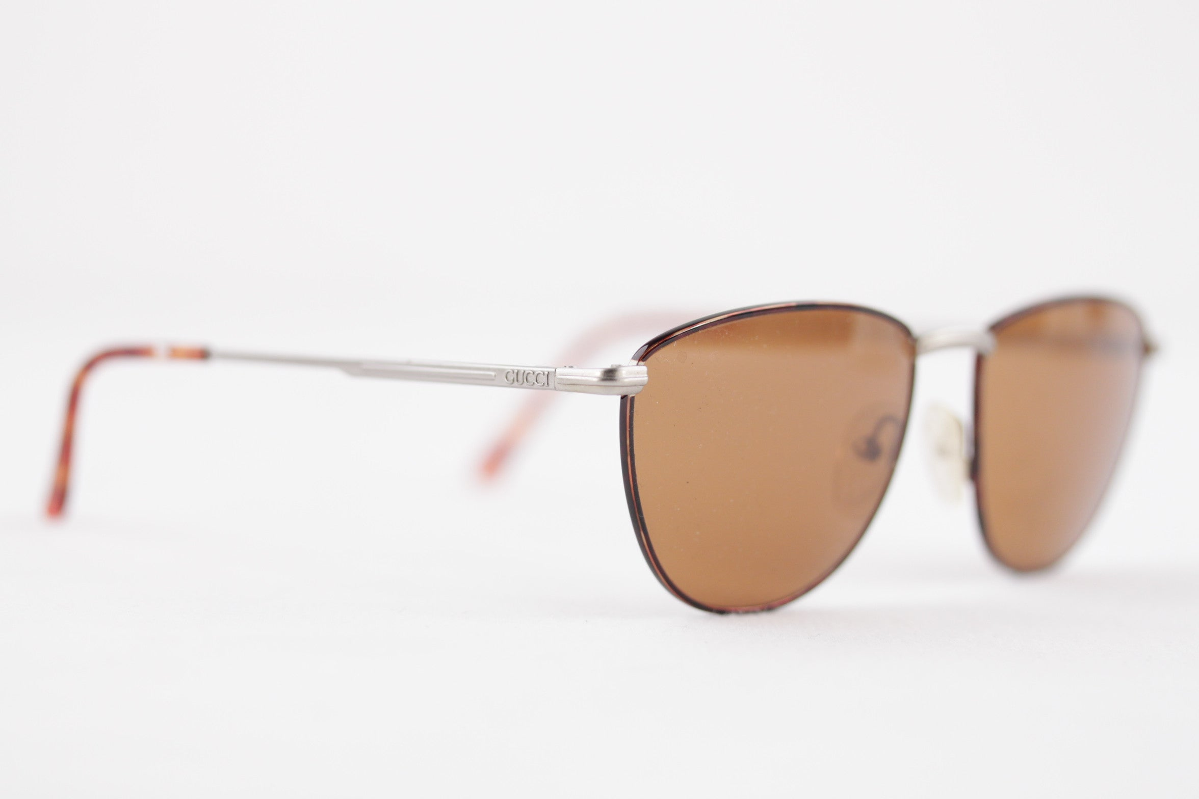 2210531d3d7be GUCCI Vintage SUNGLASSES GG 2238 84S 135 Brown Gold womens EYEWEAR For Sale  at 1stdibs
