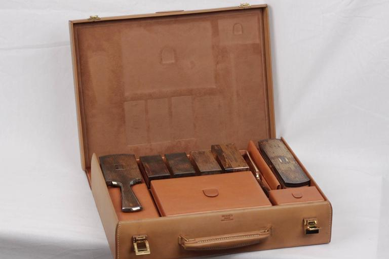 HERMES VINTAGE Tan Leather TRAVEL GROOMING SET w/ Silver TOILETRY Pieces For Sale 1