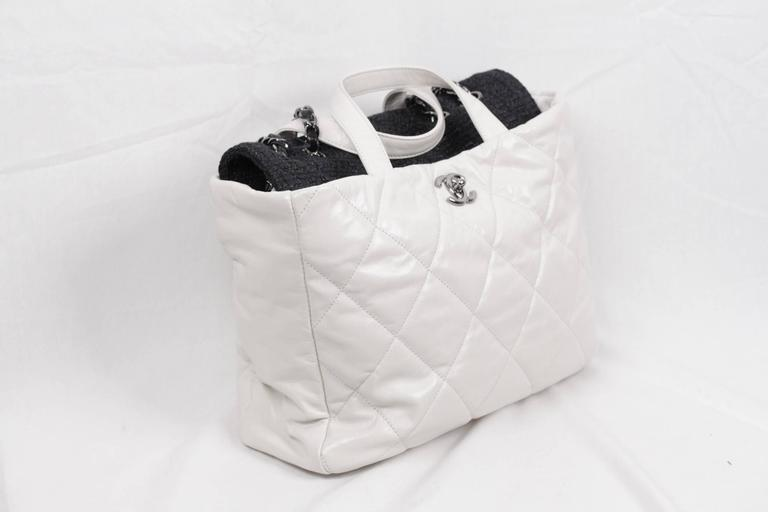 e399cbb36aa6 Rare CHANEL Black Tweed Portobello Tote in white quilted leather - The bag  features leather