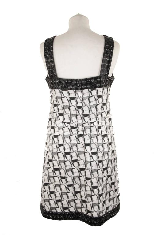 CHANEL Black & White GEOMETRIC Cotton Blend SLEEVELESS DRESS Size 36 In Good Condition For Sale In Rome, IT