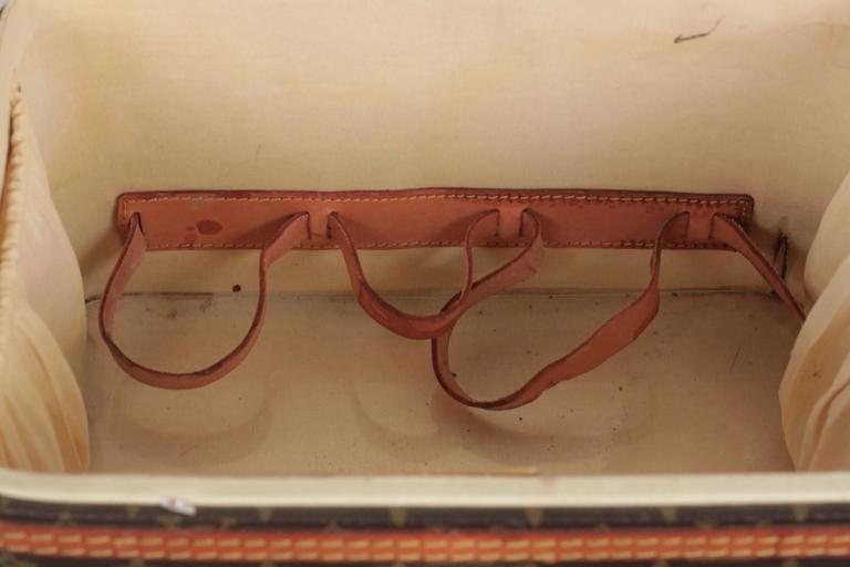 LOUIS VUITTON Vintage Brown MONOGRAM Canvas Travel Bag TRAIN CASE Beauty For Sale 5